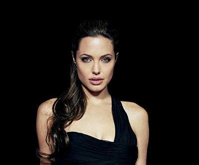 Angelina Jolie - wf85