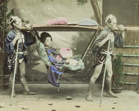 Japonka z Tragarzami, autor nieznany, ok. 1870 - 1880r. - wf844