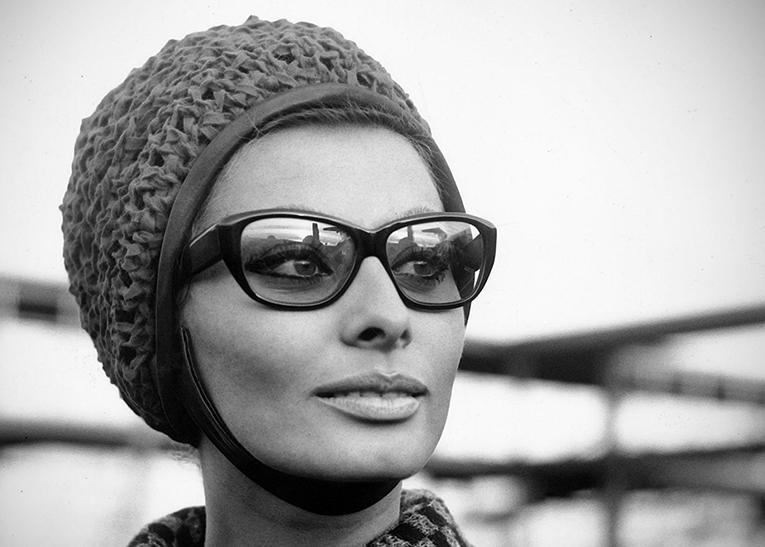 Sophia Loren  - wf1572